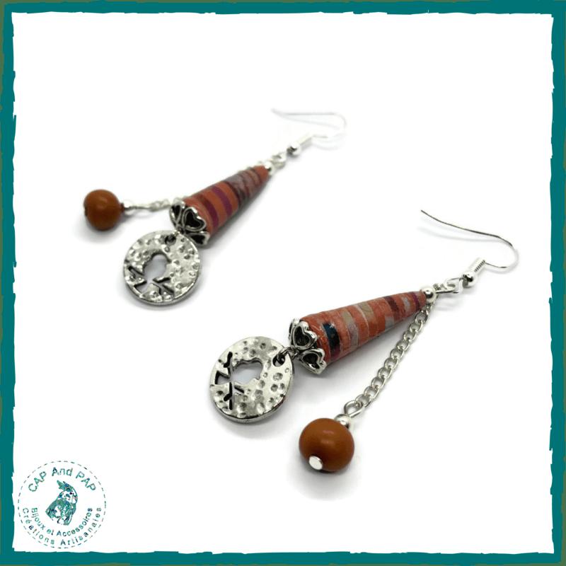 Boucles d'oreilles Graines naturelles d'Açaï et Perles en papier artisanales oranges - Médaillon oiseau