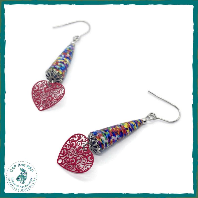 Boucles d'oreilles multicolore en papier - Coeur filigrané rouge