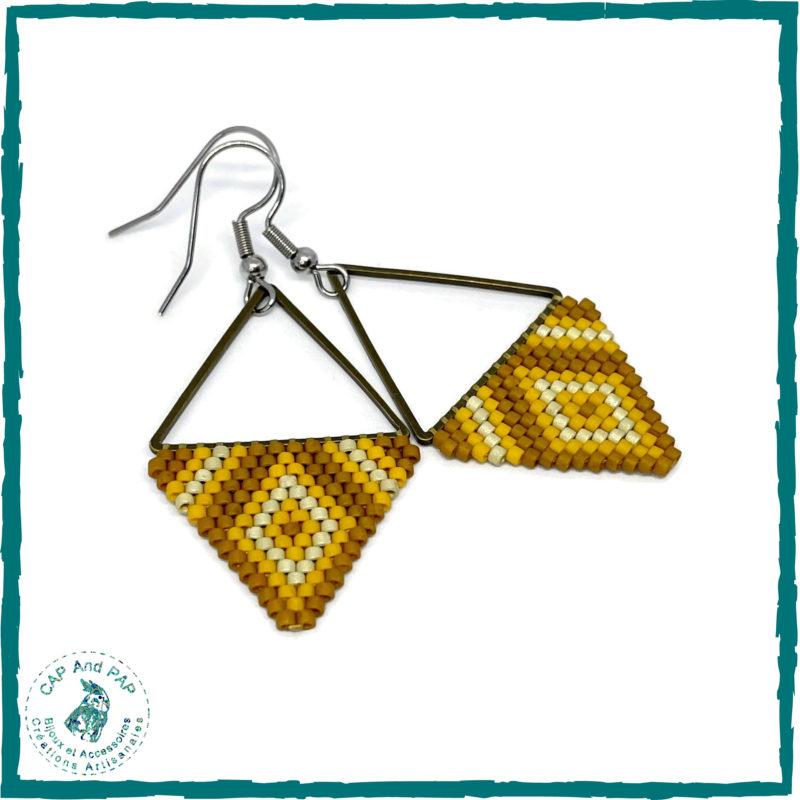 Boucles d'oreilles triangles jaunes, ocre et argent - Perles tissées à la main